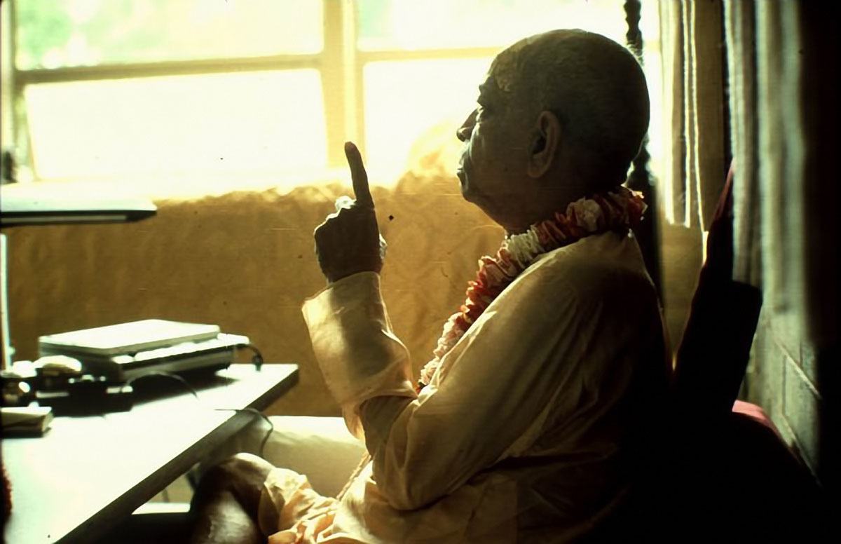 Srila-Prabhupada-preaching-and-pointing-with-his-finger